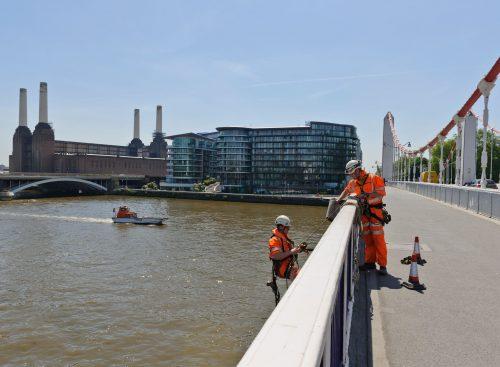 CLC engineers on Chelsea bridge